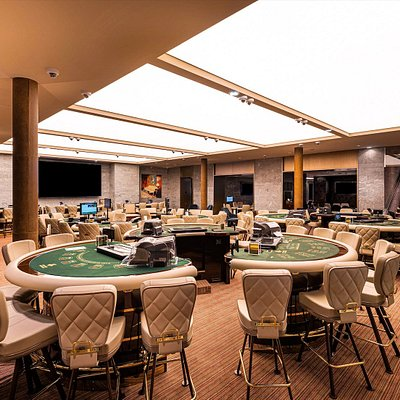 Salle des Grands Jeux (Punto Banco, Poker 21, Ultimate Poker, Poker 3 Cartes, Stud Poker)