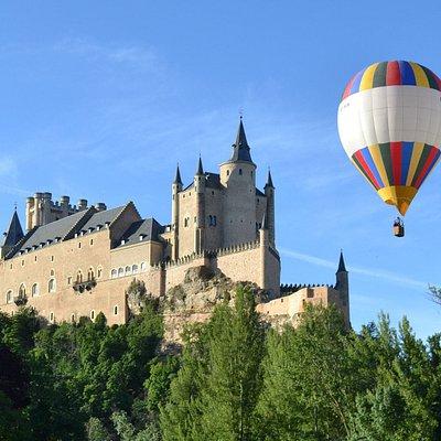 Vuelos en globo en Ciudades Patrimonio de la Humanidad. Segovia, Toledo, Salamanca... Descubre el mundo desde un balcón en las nubes