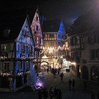 Souvenirs de mes Balades --- France -- Grand Est -- Place de l'ancienne douane à Colmar un soir de fêtes de fin d'année -- 20.08.21