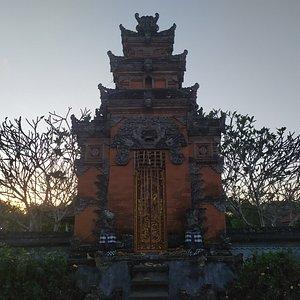 Pura di Taman Mayura