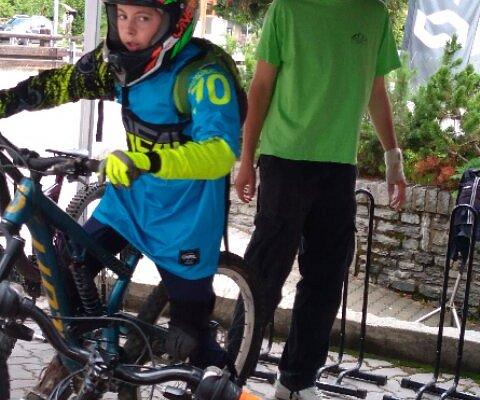 Noleggio bici DownHill + kit protezione