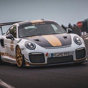 The Porsche GT2RS MR!