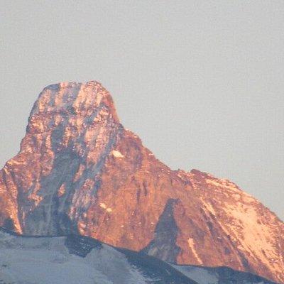 Vue sur le Cervin (Matterhorn) depuis le village de St-Luc (photo prise au téléobjectif) - Le Cervin en fin de journée avec les derniers rayons de soleil.