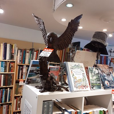 Great selection of books and high quality gifts.