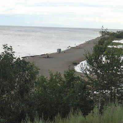 Общий вид городского пляжа