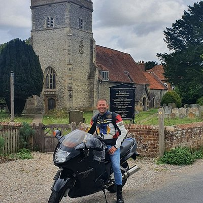 Bucklebury village and the beautiful church of St Mary's is one of the nicest situated iconic areas of Berkshire.The locals are so welcoming