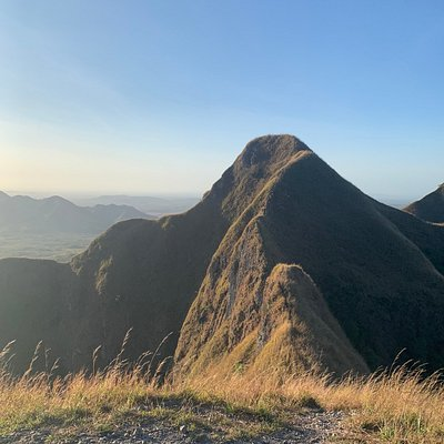 Los Picachos de Ola is Moderate Level, 1 -1/2hr to 2hr back and forth hike. Always bring water, hiking stick/pole. Location: Province of Cocle, Town of Ola.  Entrance to trail is after town of Ola, Gate is 1.6miles/2.6km from Centro de Salud Ola. The gate takes you into a private property. Owners house is about 20m from gate, just let them know your accessing, there OK with everyone as long as you take your trash with you. Trail has NO SIGNALS, but its mostly marked, first 3/4 if fairly easy.