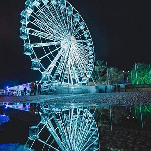 wow MK Willen Observation Wheel is located at Willen Lake Milton Keynes. At 36 meters high it gives a great new perspective of the lake you can see the whole city you sure wont be disappointed.