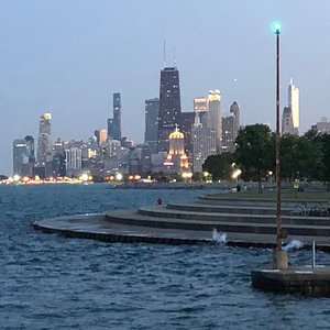View of the Chicago skyline from Fullerton beach