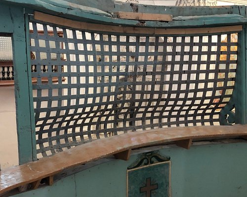 La Ruota - la Grata della Cripta di sepoltura - cosa vedevano le Monache da dietro le grate - particolari architettonici della volta ....
