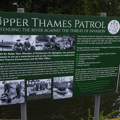 Abingdon Lock recognition of WW2 Upper Thames Patrol - a waterborne Dads Army