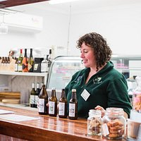 Try the local Kangaroo Island Cider with a delicious tasting paddle at Emu Ridge.