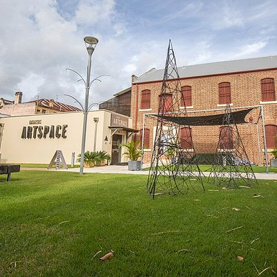 A contemporary exhibition space in a restored Maryborough warehouse. Open Monday to Saturday, 10am-2pm.
