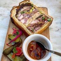 Pâté croûte du Bistrot d'Abel, spécialités lyonnaise de bouchon, fait maison et avec amour !