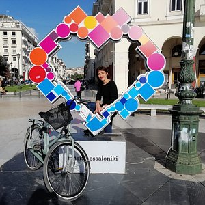 The best way to discover Thessaloniki is by bike and with a local tour leader