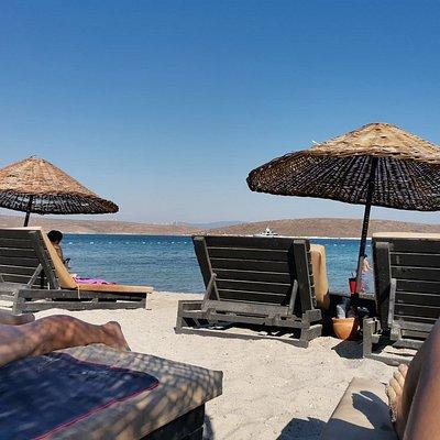 Playa preciosa, privada y muy cara!!