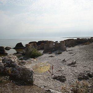 Holmhällar raukområde, Gotland
