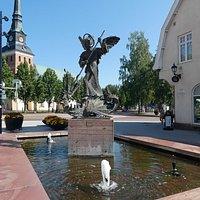 Statyn ''S:t Mikael och Draken'' i Mora
