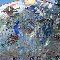 Muralmålningen ''Sagoväggen'' i Sunne