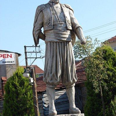 İlyas Reis Heykeli 2