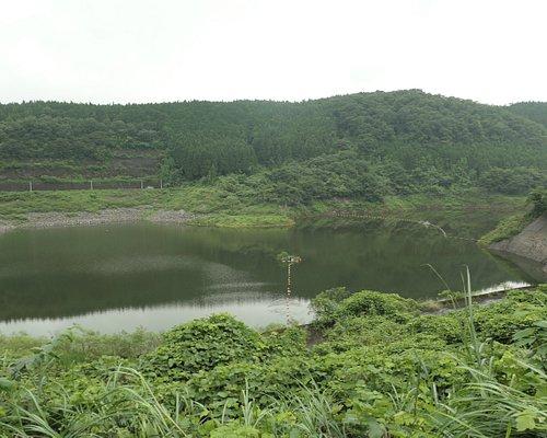 静かなダム湖