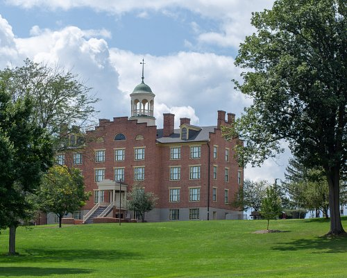 Start your Gettysburg journey at the heart of the first day's fighting. Seminary Ridge Museum and Education Center is located on Seminary Ridge along the National Park Service's auto tour route. Three floors of exhibits connect individuals and groups to the dilemmas which led to the Civil War, provide a powerful and personal view of the battle's first day, and show the work of one of the battlefield's largest field hospitals.