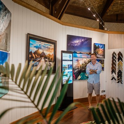 John Kincaid at Kincaid Galleries Bora Bora