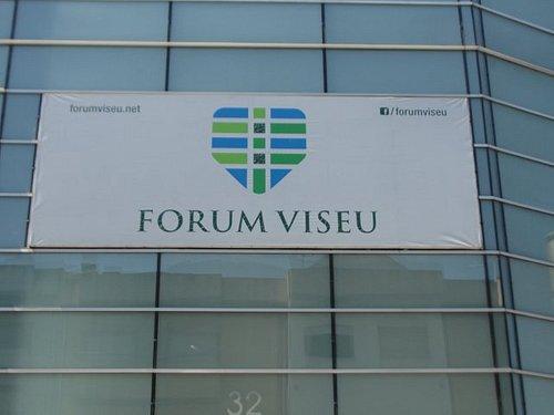 Logotipo no edifício.