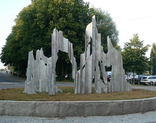 Statyn ''Musikaliska Konstruktioner'' i Karlstad