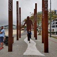 Monumento O Caminhante