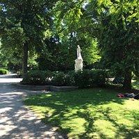 Luisen-Denkmal pomnik Rosengarten mestsky park zahrada Berlin