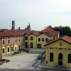 Ex filanda, ora sede del Museo con due sale visitabili la prima sezione dedicata alla ditte Bacologiche o Seme Bachi la seconda alla bachicoltura tradizionale.
