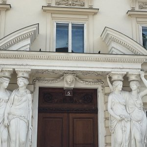 """The house with the """"Caryatids """""""