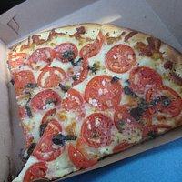 margarita pizza slices