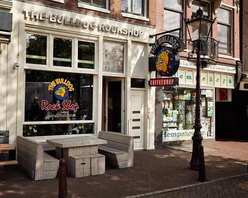 The Bulldog Rockshop entrance
