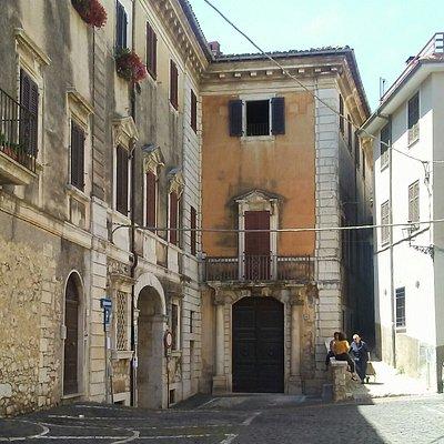 Palazzo Franchi, architettura di Giuseppe Subleyras, piazza Bisleti, Veroli