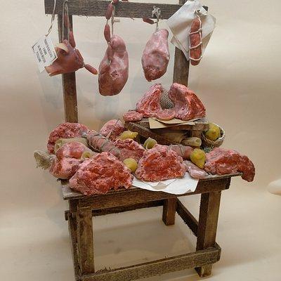 Uno dei  prodotti in miniatura  della bottega antichi mestieri pitigliano