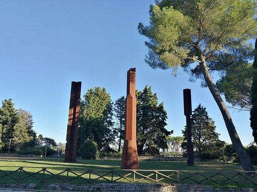 todi columns 3
