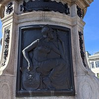 Thomas Coats Statue
