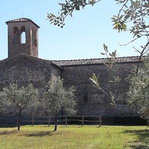 Bellissimo complesso composto da chiesa, convento e chiostro