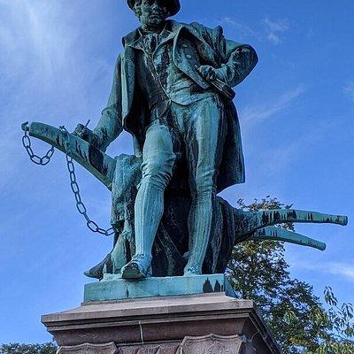 Robert Burns Statue in Fountain Gardens
