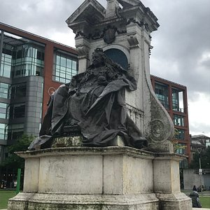 Queen Victoria's Statue, Piccadilly Gardens