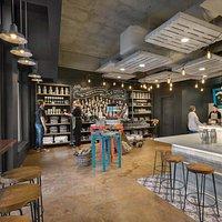 Bitty & Beau's Coffee interior
