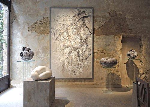 Artworks and interiors of Kalpa Art Living, Palazzo Bonomini in Volterra.