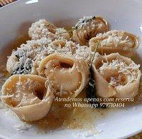 Agnolotti di cream cheese e limão siciliano com molho de manteiga e sálvia