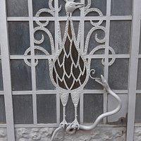 Puerta del taller de Josep Oliver