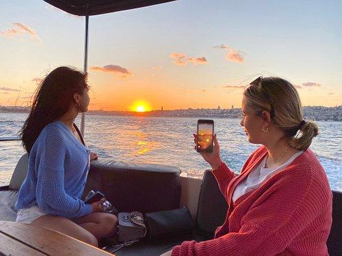 Istanbul Bosphorus Sunset Cruise On Luxury Yacht