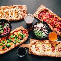 Pizza sałatka i piwo pizzatopia szewska 22
