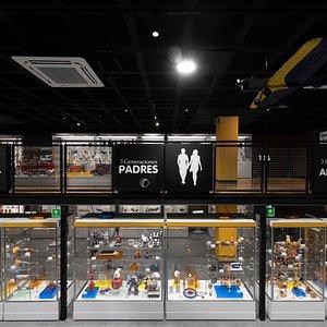 MIJU Museo Interactivo del Juguete del Tío Temo es un espacio creado para tres generaciones: abuelos, padres e hijos, donde podrás conocer la historia y la evolución de la tecnología de los juguetes.