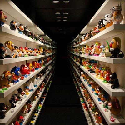 El Túnel Sinfìn es todo un reto para los visitantes, quienes tienen que contar cuántos Cara de Papa están en nuestra exhibición en MIJU Museo Interactivo del Juguete.